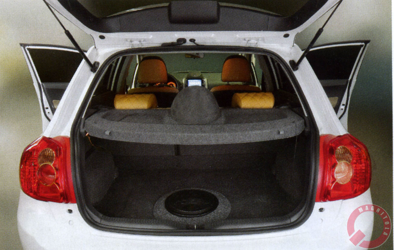 Сабвуфер в багажник седана вместо запаски