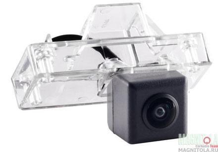 Камера заднего вида для автомобилей Toyota Land Cruiser 100, Prado 120 INCAR VDC-028AHD