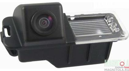 Камера заднего вида для автомобилей VW Golf INCAR VDC-046