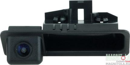Камера заднего вида для автомобилей BMW 3, 5, X5, X6 (в ручку) INTRO VDC-009